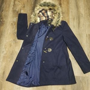 🏷Forever 21 Navy Coat with Faux Fur Hood